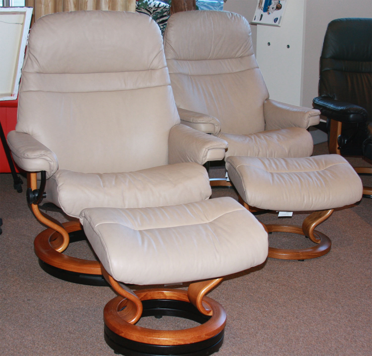 Stressless Sunrise Recliner in Sand Paloma Leather