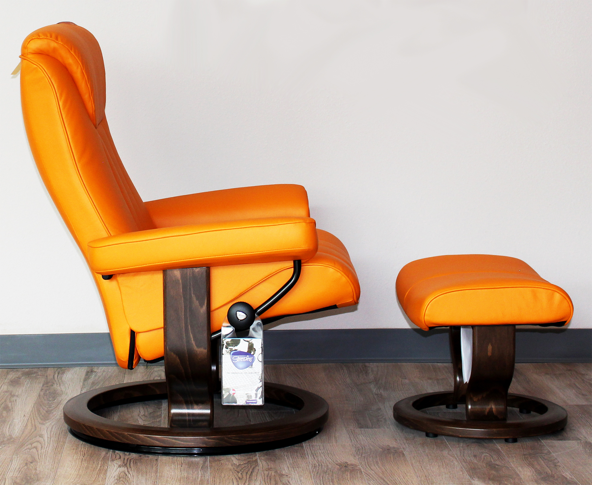 Stressless Bliss Recliner Chair and Ottoman Paloma Clementine Leather & Stressless Bliss Paloma Clementine Leather Recliner Chair by ... islam-shia.org