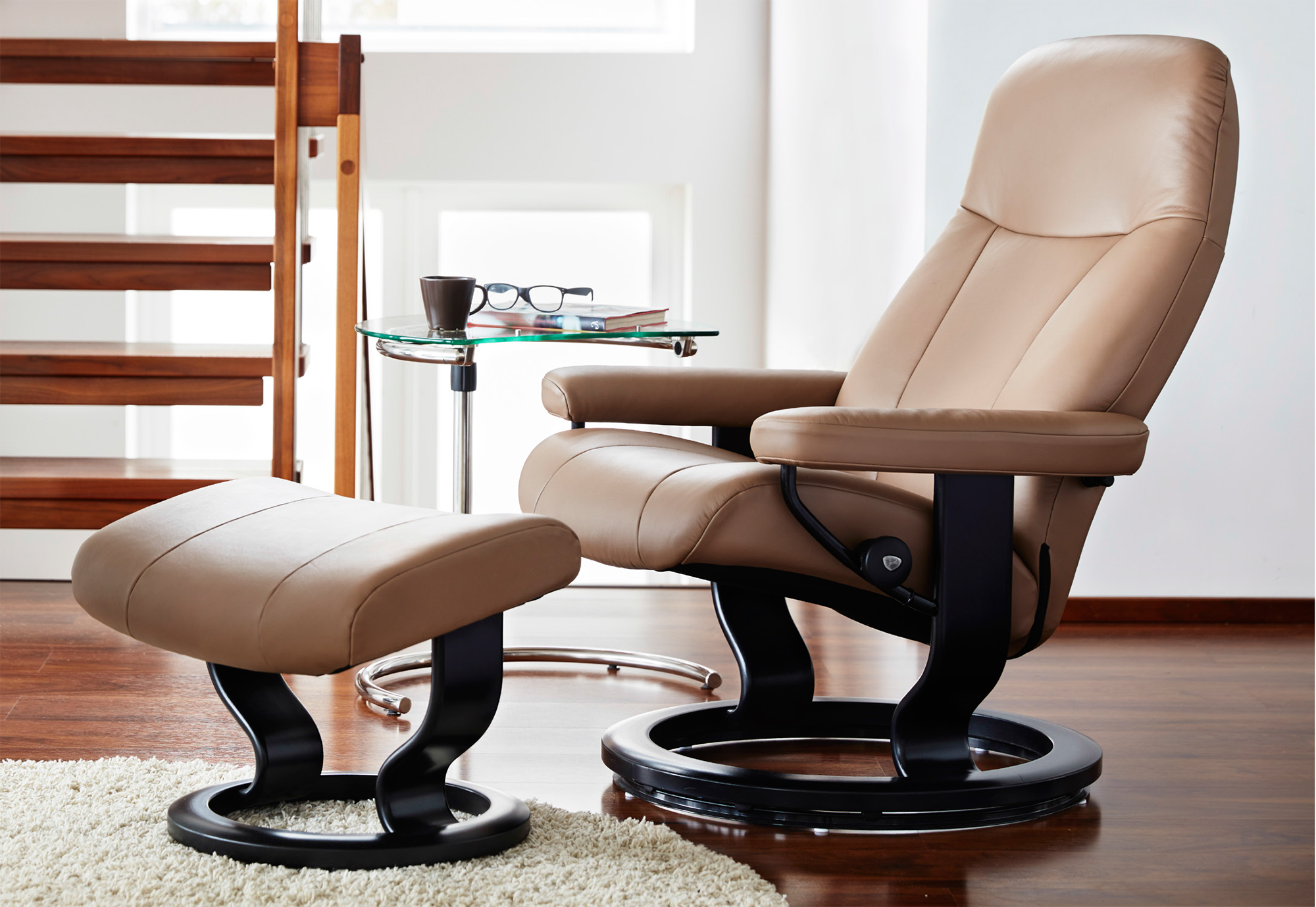 stressless garda recliner chair and ottoman by ekornes. Black Bedroom Furniture Sets. Home Design Ideas