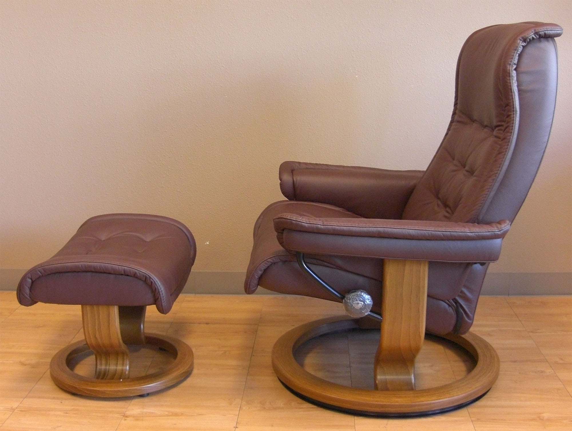 Stressless Paloma Coffee Leather Color Recliner Chair And Ottoman From  Ekornes