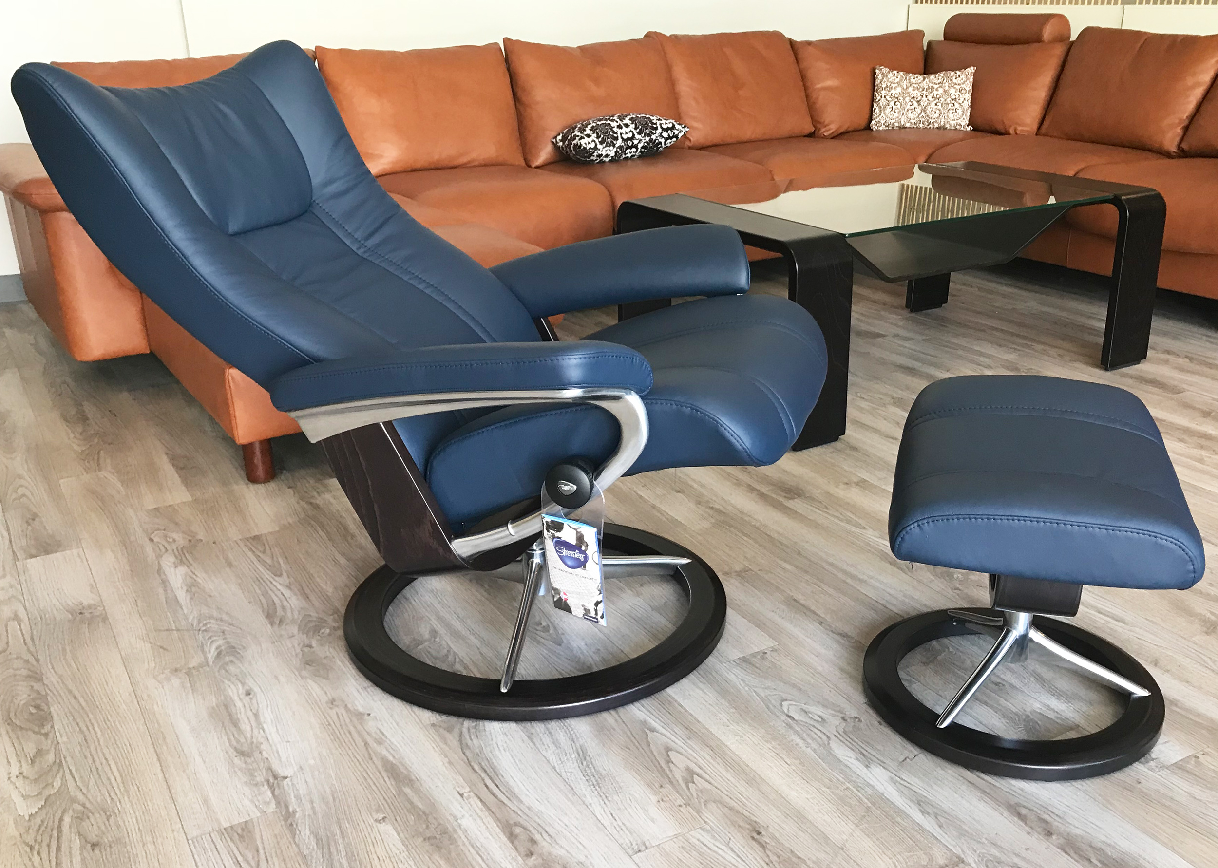 Prime Stressless Wing Recliner Chair And Ottoman In Paloma Black Leather By Ekornes Caraccident5 Cool Chair Designs And Ideas Caraccident5Info