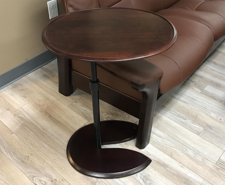 Attirant Stressless Ellipse Walnut Wood Table