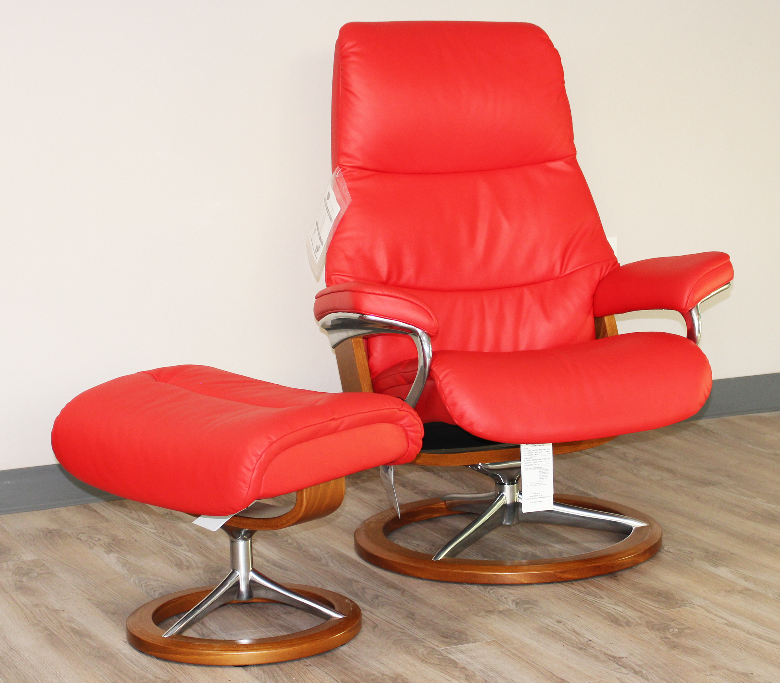 Stressless View Signature Base Um Paloma Tomato Red Leather Recliner Chair By Ekornes