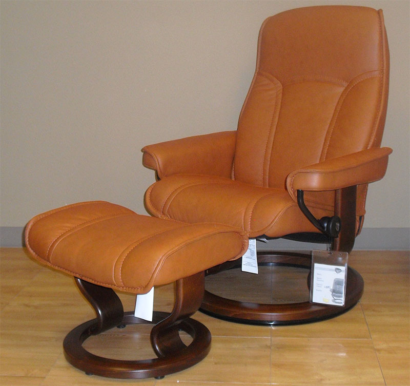 Gentil Stressless Senator Paloma Brandy 09446 Leather Recliner And Ottoman